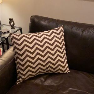 22x22 set of two - Brown/Cream pillow covers